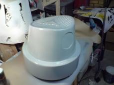 Spray can cap stool